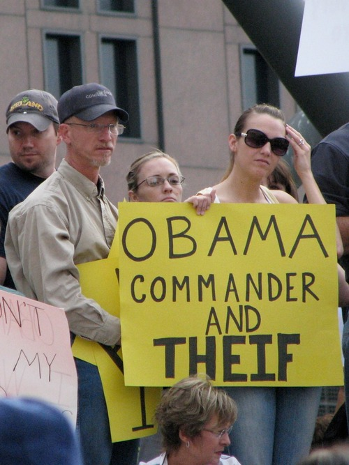 Obama - Commander and Theif